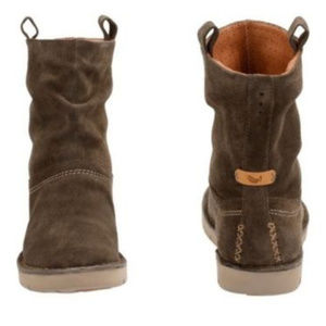 34da8b07dc5ec Clarks Shoes | Womens Khaki Un Ashburn Suede Slouch Boots | Poshmark